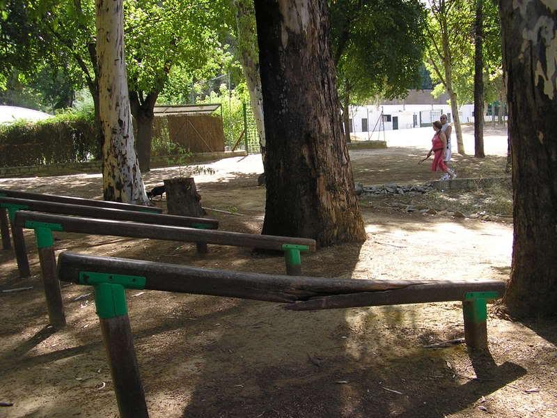 Barra de ejercicios en el parque tierno galván, rota desde hace ni se sabe cuánto tiempo