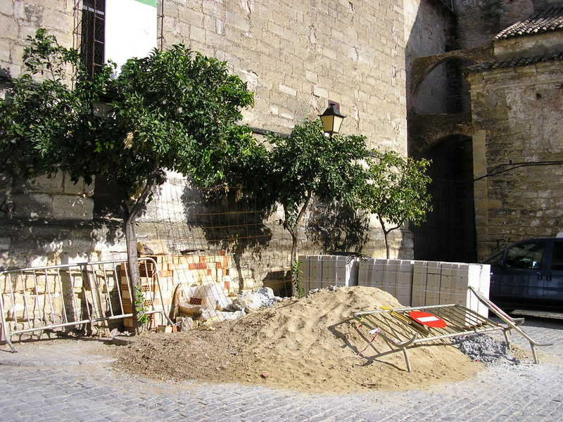 Montón de escombros en San Agustín