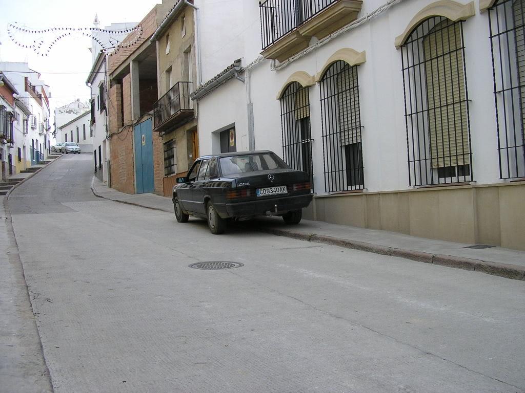 Mercedes en la cuesta del Muladar
